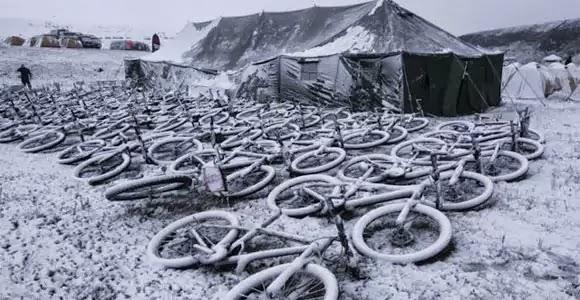 mongolia_bike_challenge_2010_snow