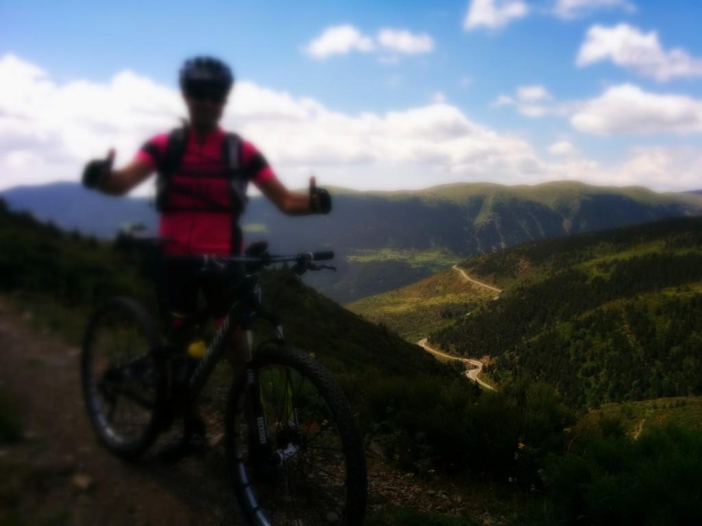 cropped-cyclingbarcelona.jpg